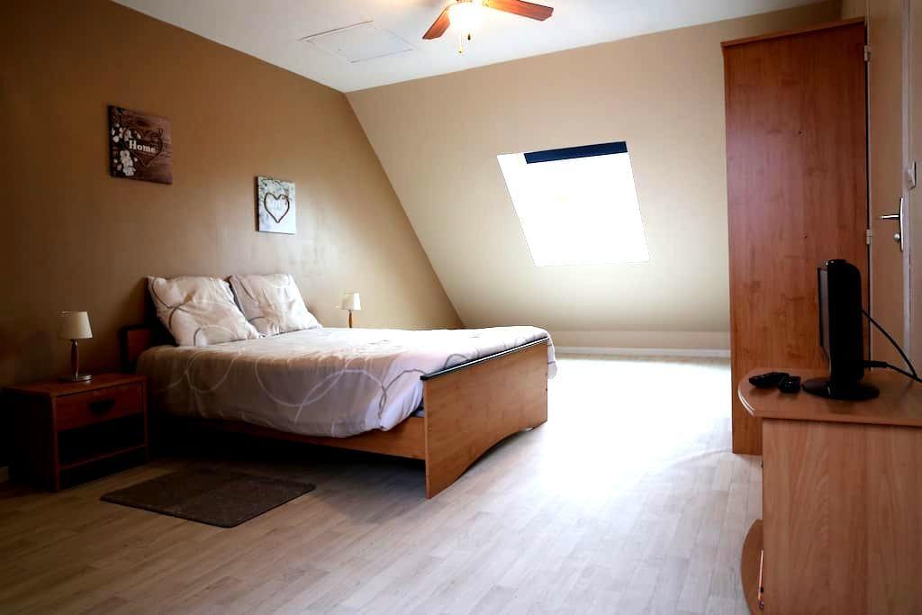 *Chambres de 1 à 6 voyageurs proche de Tours* - Chanceaux-sur-Choisille