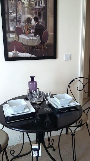 Trendy In Town Apartment - Eastleigh - Apartamento