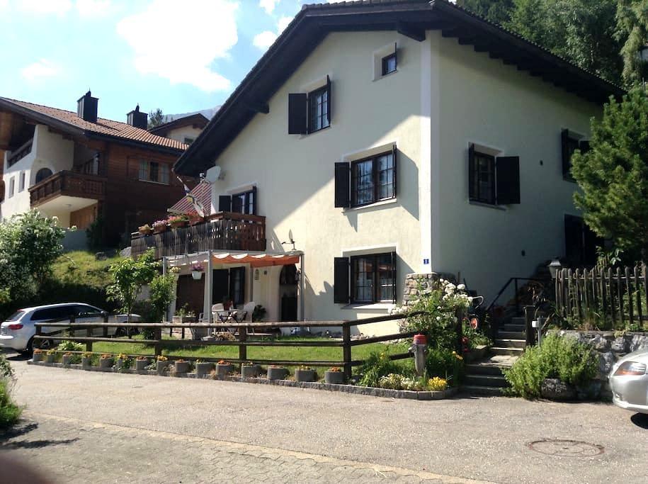 Sonnige ruhige Wohnung Tgamona am Südhang Alvagni - Alvaneu Dorf  - Appartement