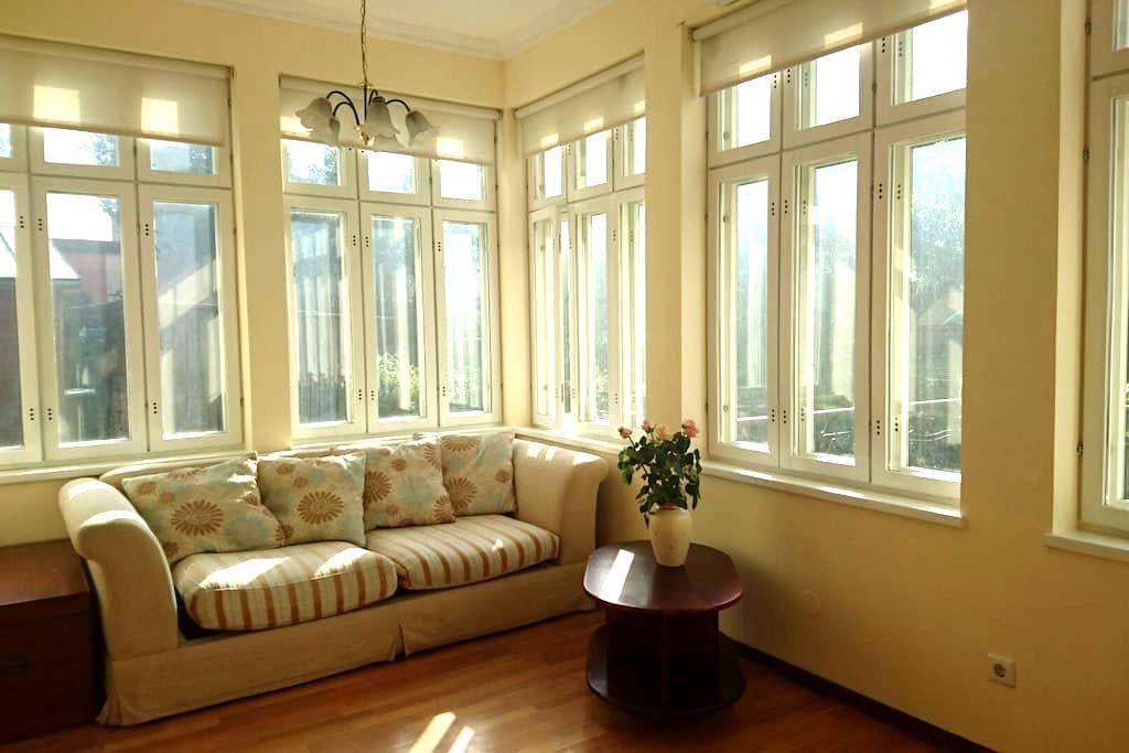 Cozy apartment with terrace - Pärnu - Appartement