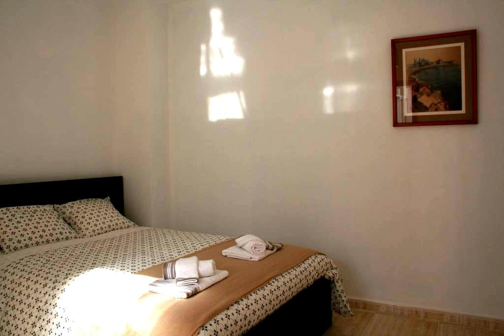 Casa del Loro - Double room in Cádiz centre 2 - 加的斯 - 家庭式旅館