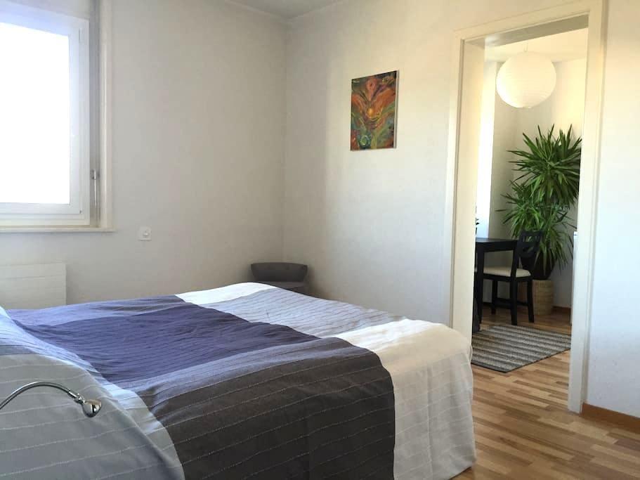 Belle Chambre, petit salon, entrée indépendante - Yverdon-les-Bains - Lyxvåning