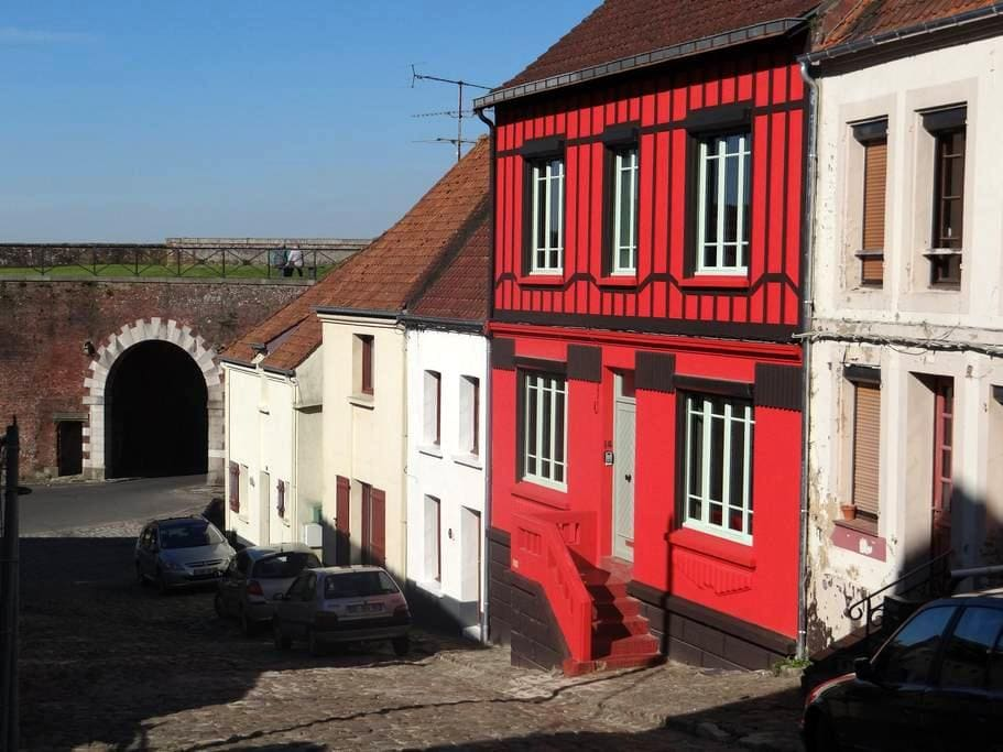 L'Art Du Temps Le Gîte - Montreuil - Hus