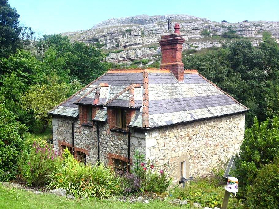 Lovely Stone Cottage in Llandudno - Penrhyn Bay - Ev