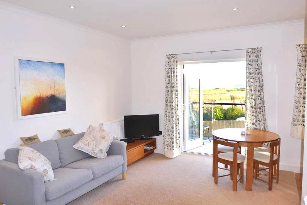 Seashell Apartment - Pembrokeshire