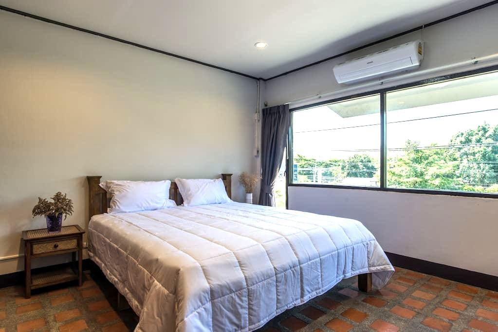 Single Room with One of The Best Mountain View - Mueang Chiang mai - Şehir evi