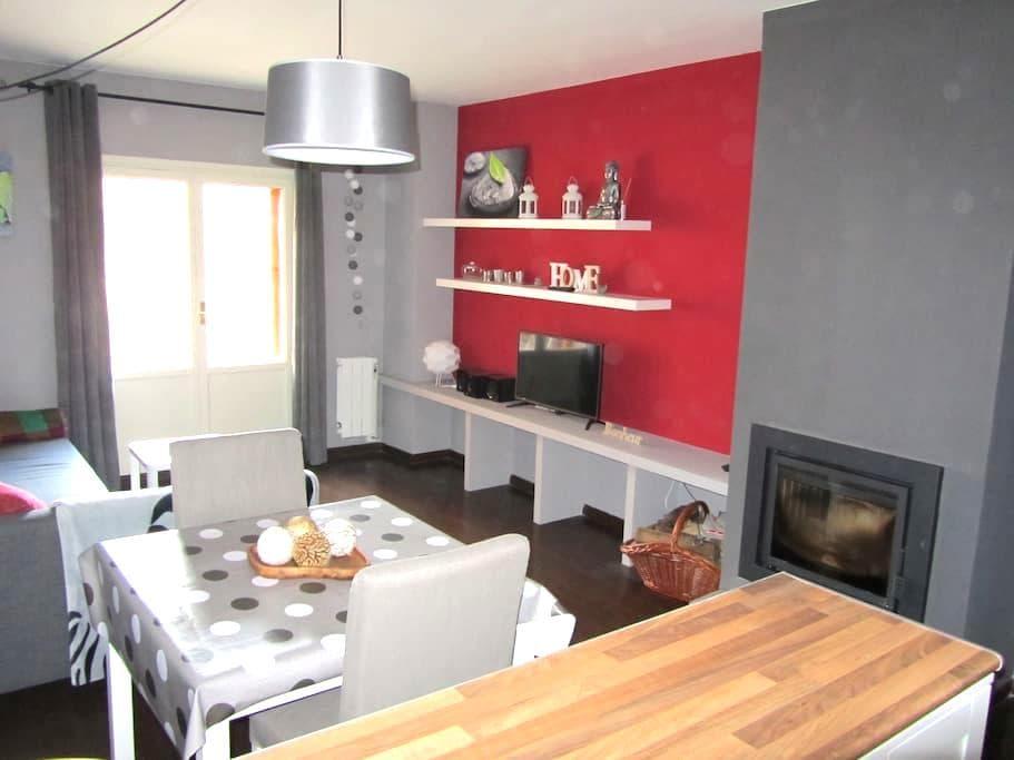 Cómodo apartamento en Villanúa - Villanúa - Pis