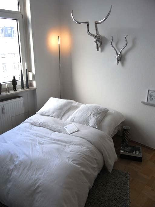 Stylish wohnen in Bornheim - Frankfurt - Apartament