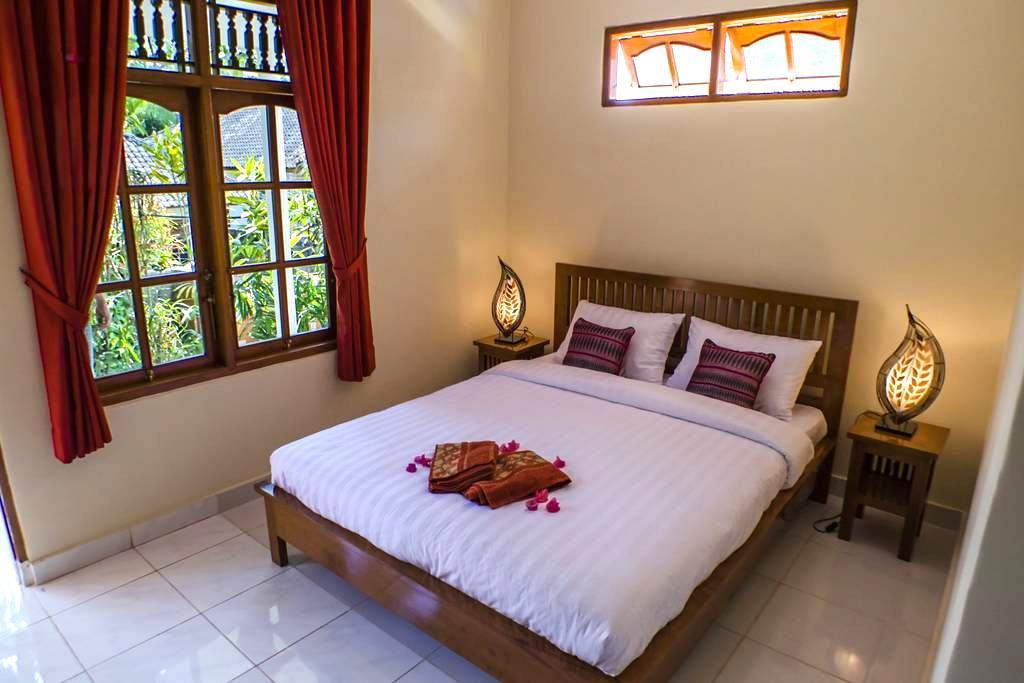 Budget stay AC pool & wifi  - Buleleng - Bed & Breakfast