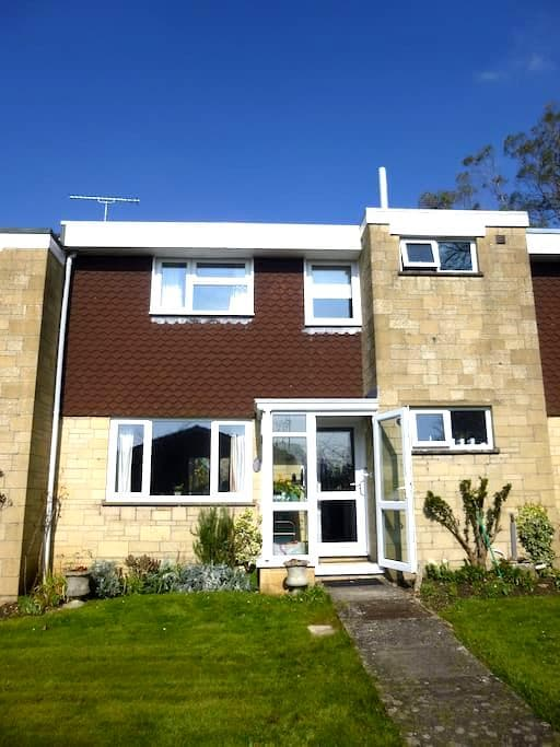 Town house 5 min walk to centre - Sherborne - Huis