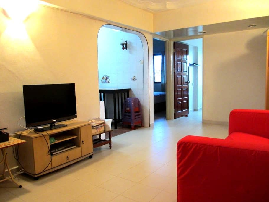 2 Bedroom Comfortable Apartment - Gelugor - Pis