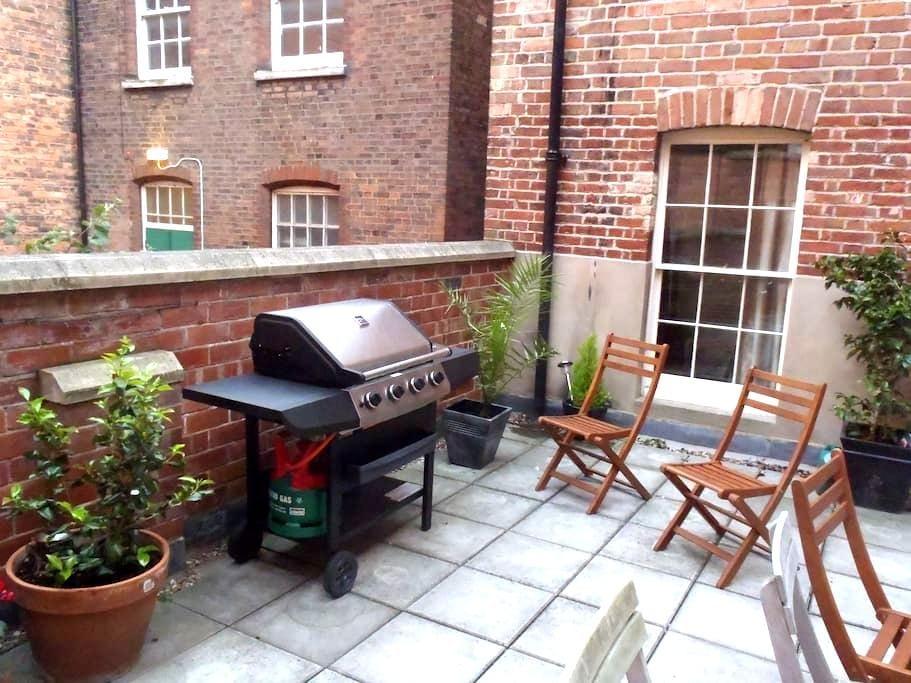 City Lace Market Apt + Terrace - Nottingham - Apartment