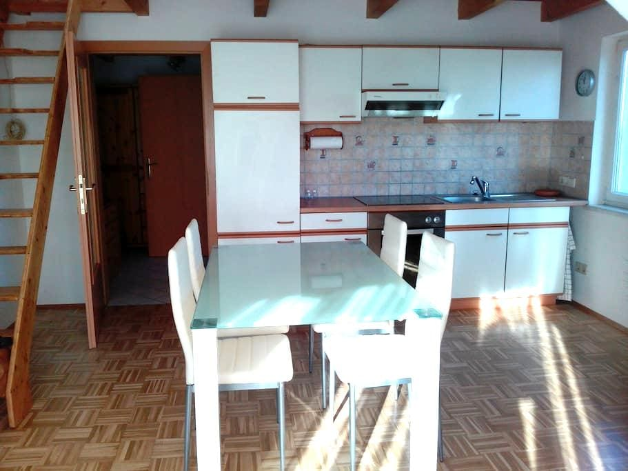 Yamis Casa - sonnige ruhige nette 2 Zimmer Wohnung - Graz - Apto. en complejo residencial