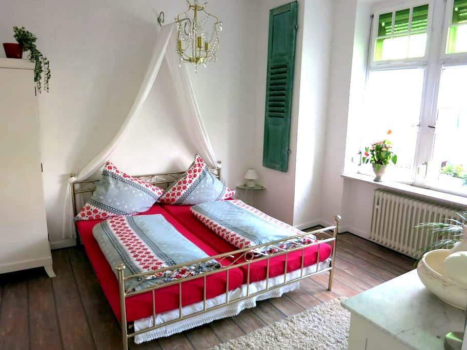 Spacious apartment near Rheinsteig - Rengsdorf - Appartamento