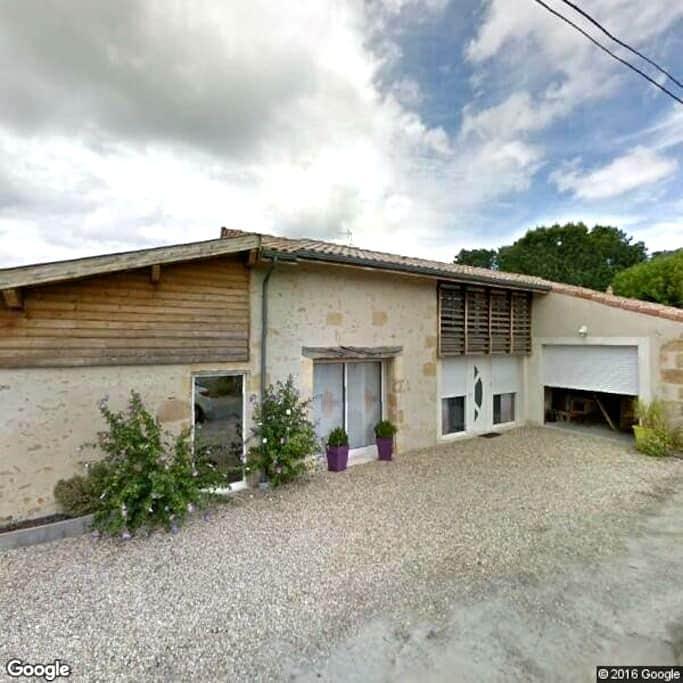 Piscine, sauna et Jaccuzi dans une maison moderne - Noaillan - Villa