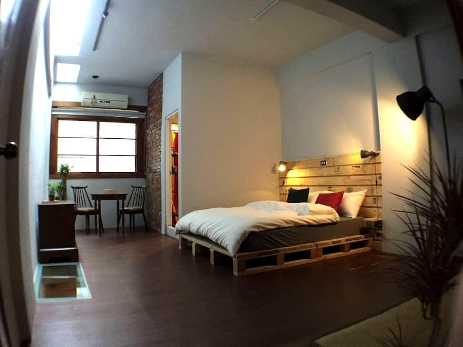 A cozy room in the cafe - East District - Talo