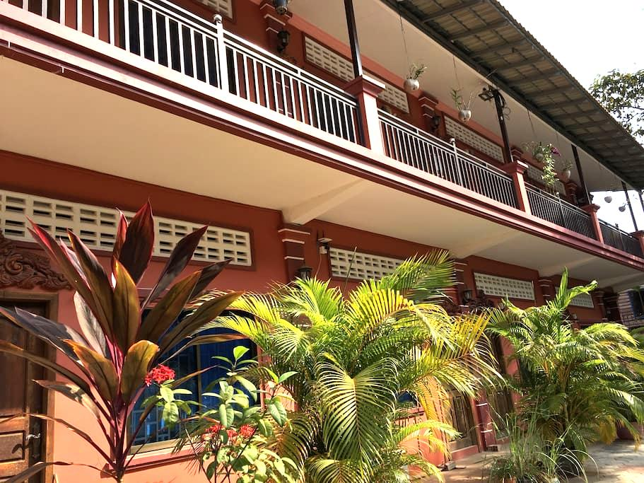 Raining House Apartments 2 with AC - Krong Siem Reap - Huoneisto