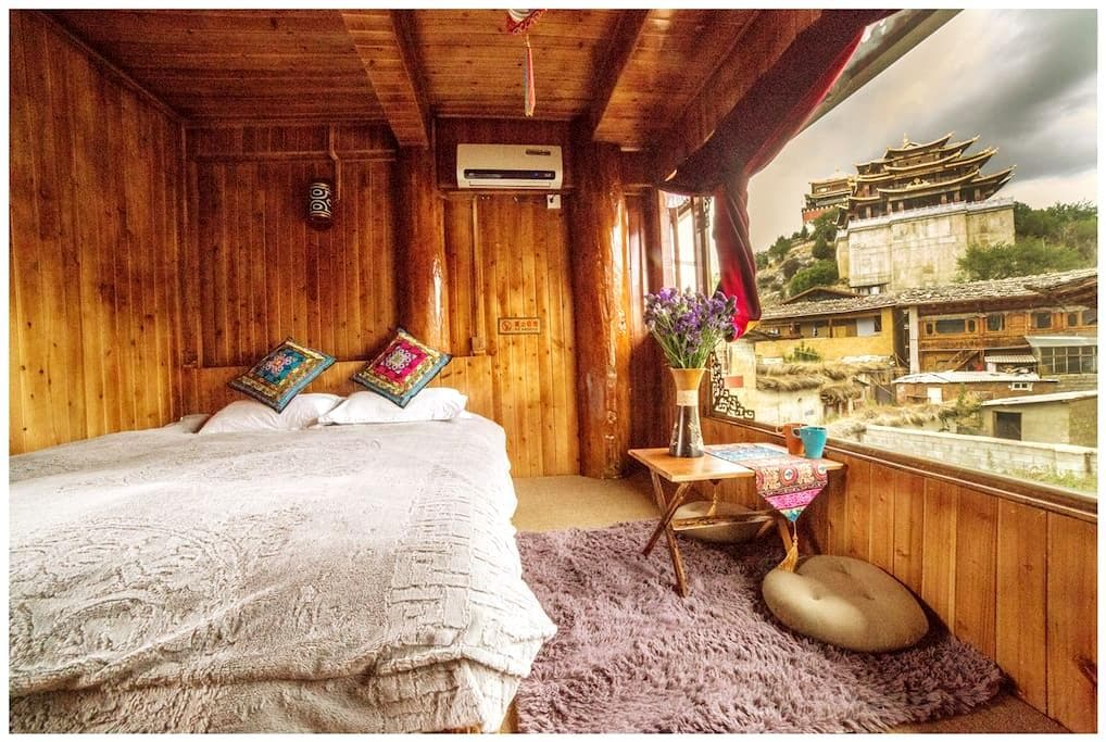 Tibetan Woody Double Room with View - 香格里拉 - Cabane