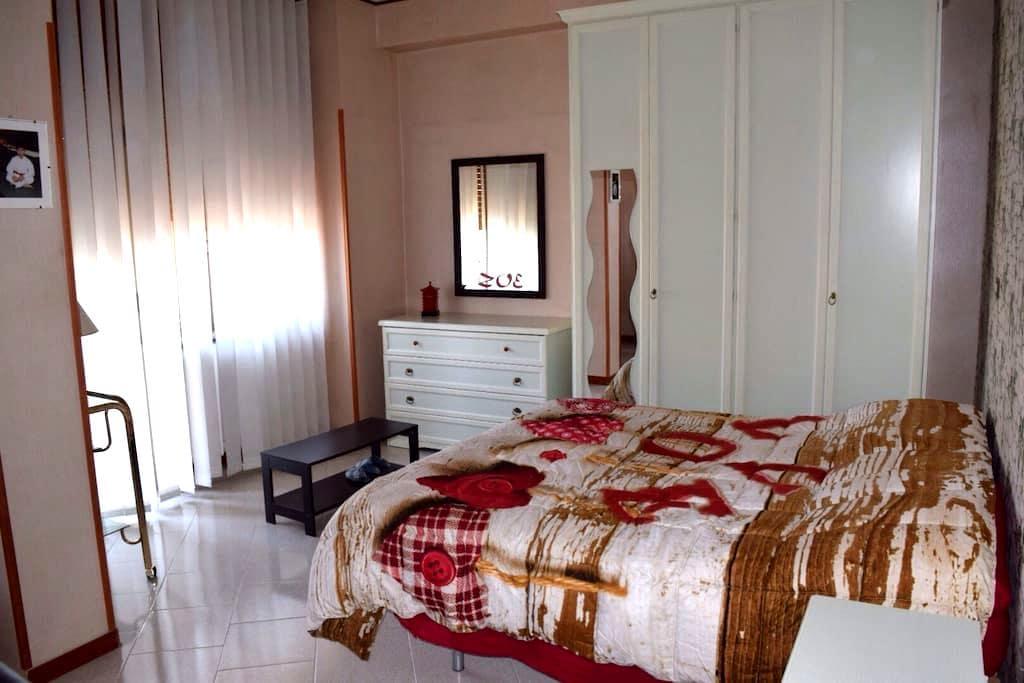 Charming Flat 25min from Ski Resort - Avezzano - Bed & Breakfast