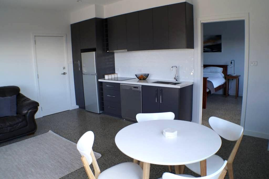Modern New Apartment - Launceston - Leilighet