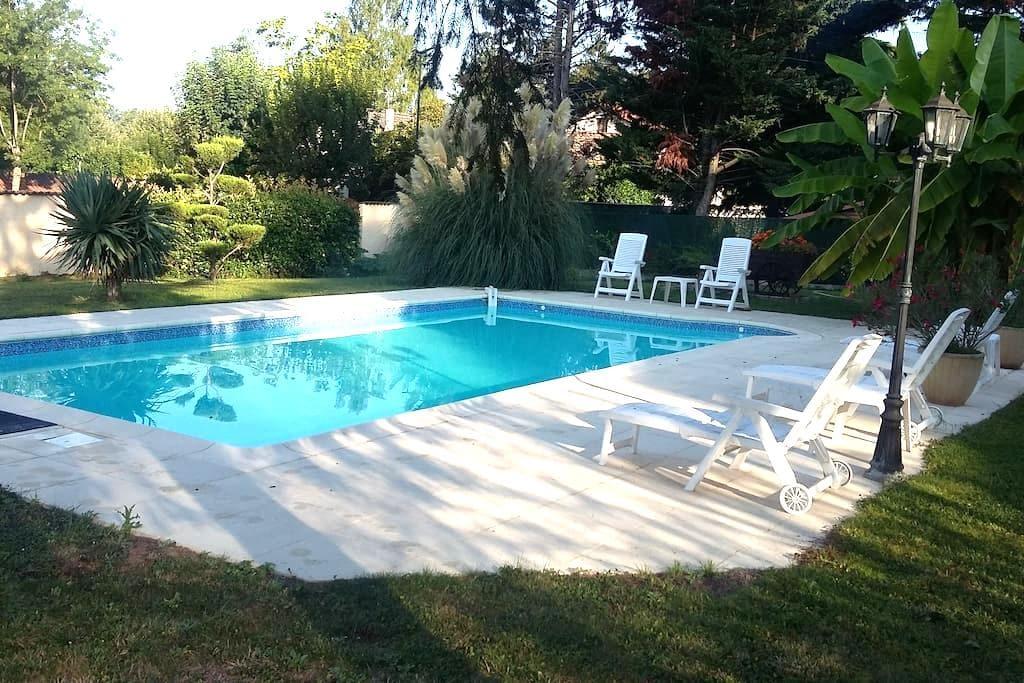 maison de 125m2 avec piscine - Beauregard - Ev