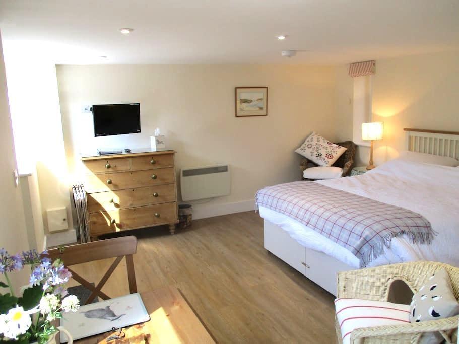 En Suite Studio in Barn setting, in Saxon village - Long Wittenham - Apartemen