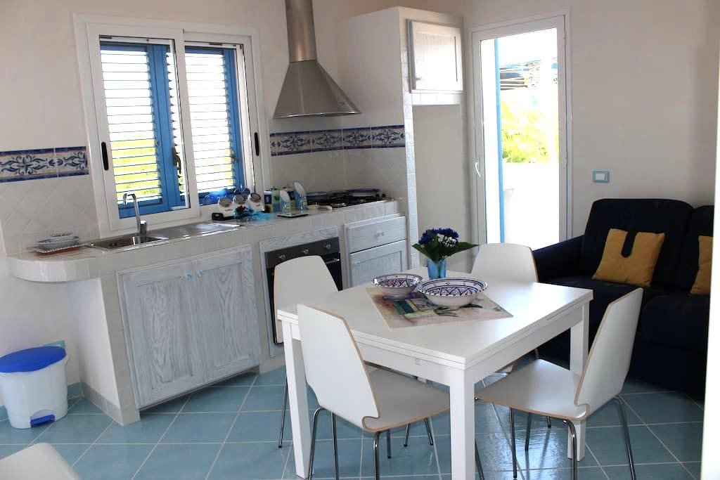 Apartment overlooking sea and templ - Triscina - Leilighet