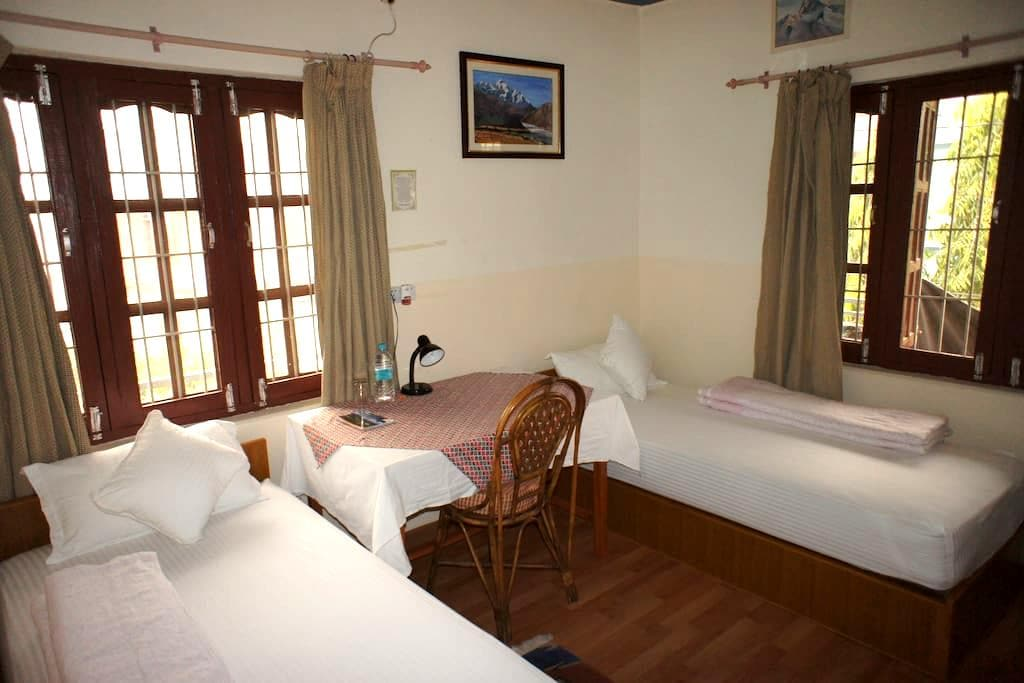 Central & Quiet Private Room with breakfast 02 - Pokhara - Apartament
