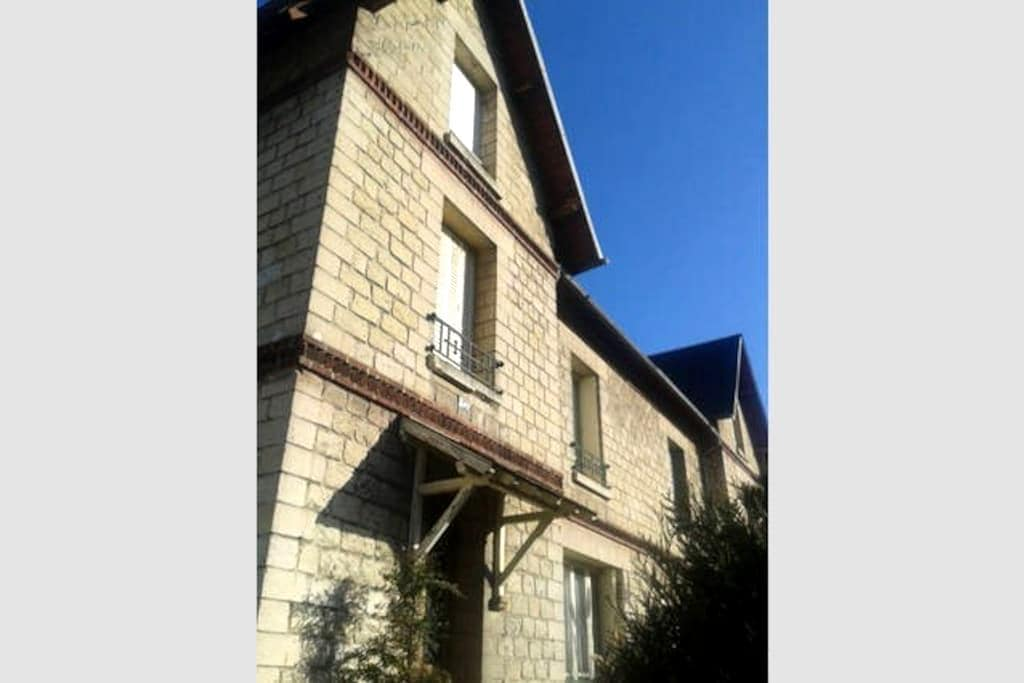 Huge Family's Home - 1 double bed room - Compiègne - House