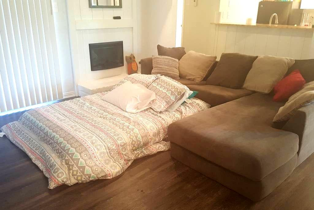 Home Sweet Home Away From Home - Denton - Apartamento