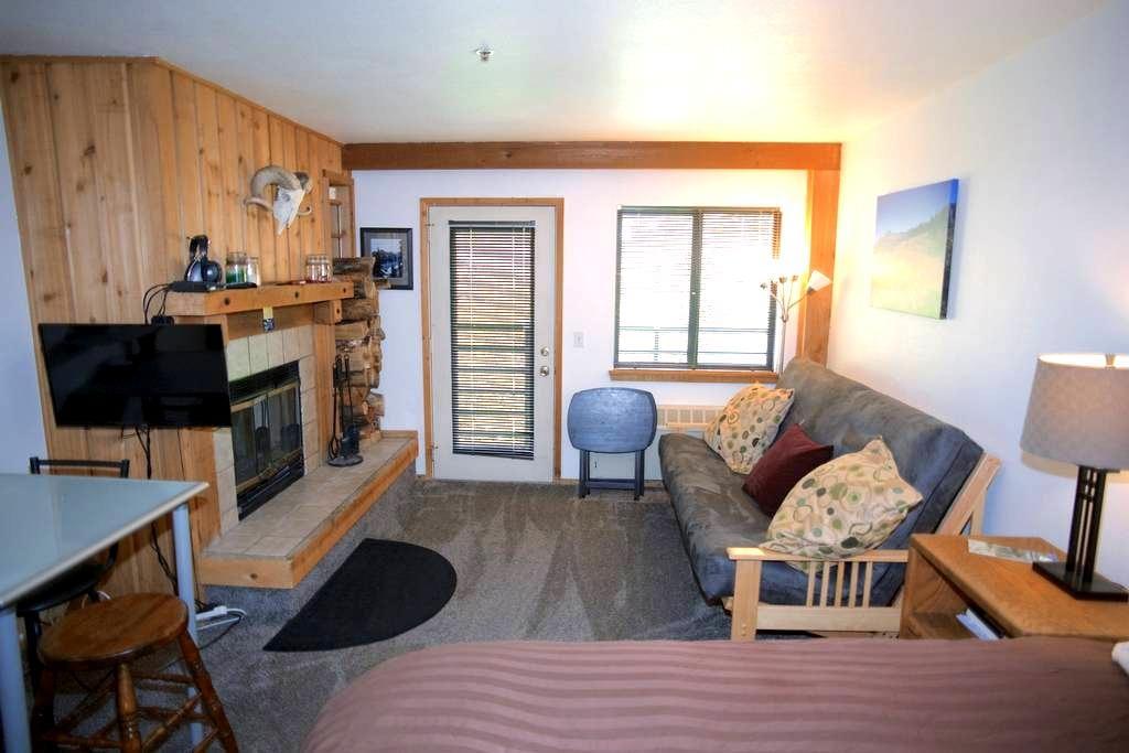 Full Kitchen,HotTub,Fireplace,Deck! - Kirkwood - Apto. en complejo residencial
