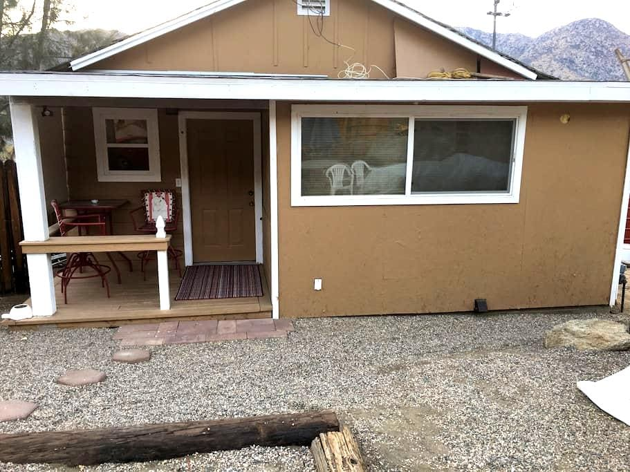 Cozy Getaway to Kern River - Kernville - Chatka