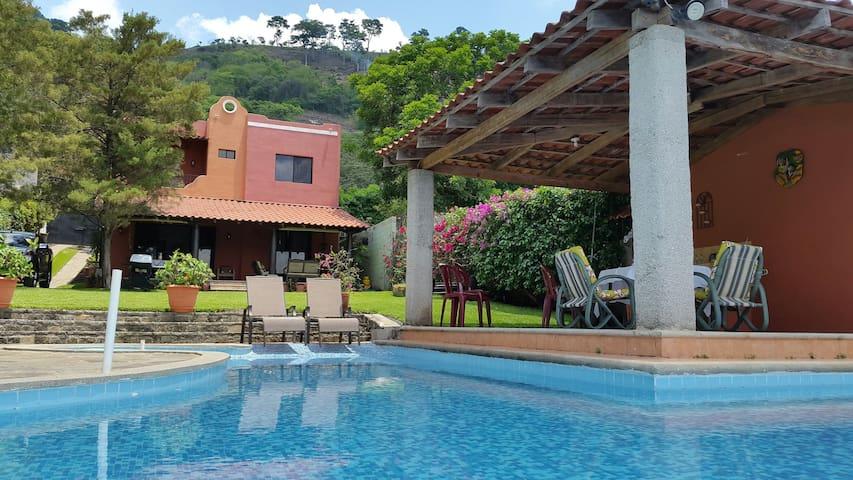 Linda y Acogedora casa en Lago Coatepeque - Lago Coatepeque  - Casa