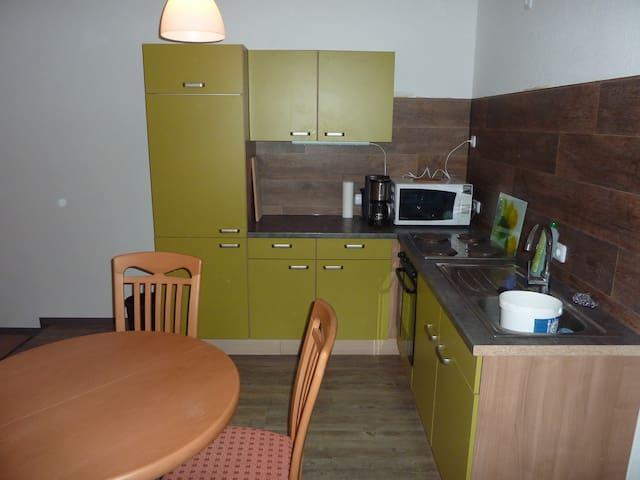 Ferienwohnung 2 Zimmer Küche Bad 3Betten - Uelzen - Квартира