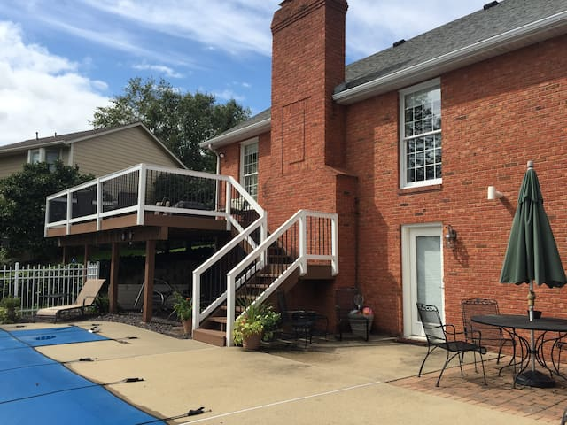 Entire Lovely Lower Level - Swansea - House