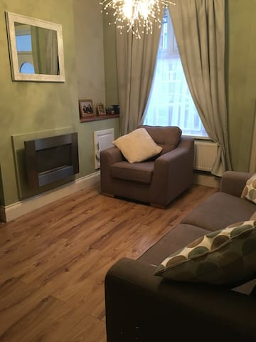 Comfortable Double in Terrace House - Leicester - Huis
