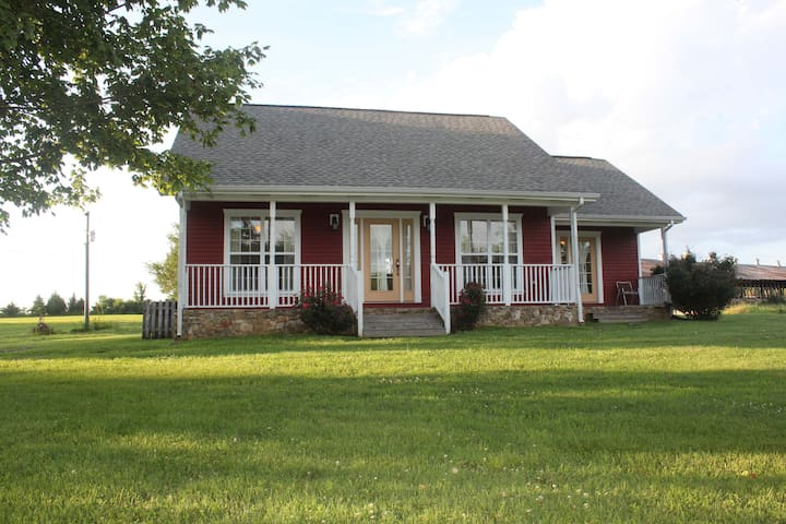 Private Cabin, Minutes From Nashville on 120 Acres - Cottontown - Дом