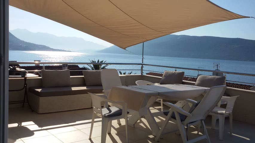 Sea view Penthouse - Herceg - Novi - Lägenhet