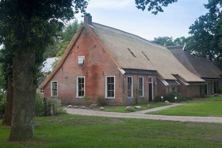 Holliday home in old farm with sauna and hottub - Norg - Casa