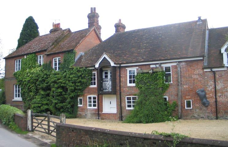 Mill House - Grainstore - Shalbourne - Casa