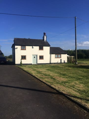 Cottage in a quiet peaceful location - Leigh - Rumah