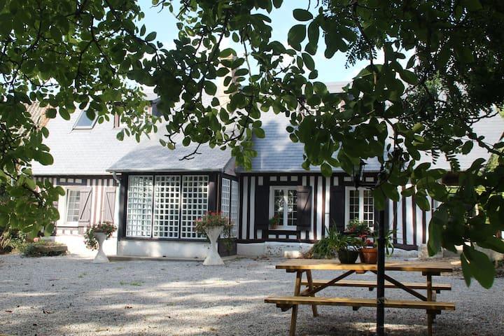 Gîte Bellevue-Maison à la Campagne - Val-de-Saâne - Ev