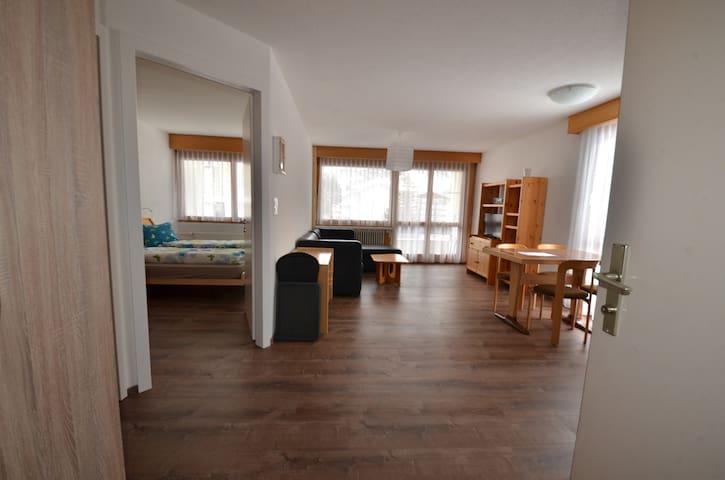 Modern 1-Bedroom Apartment next to LeukerbadTherme - Leukerbad - Apartament