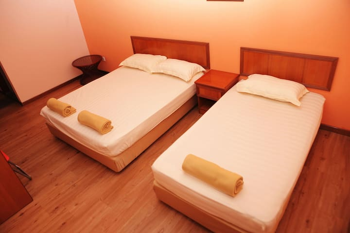 Boutique Guest House triple sharing - Melaka