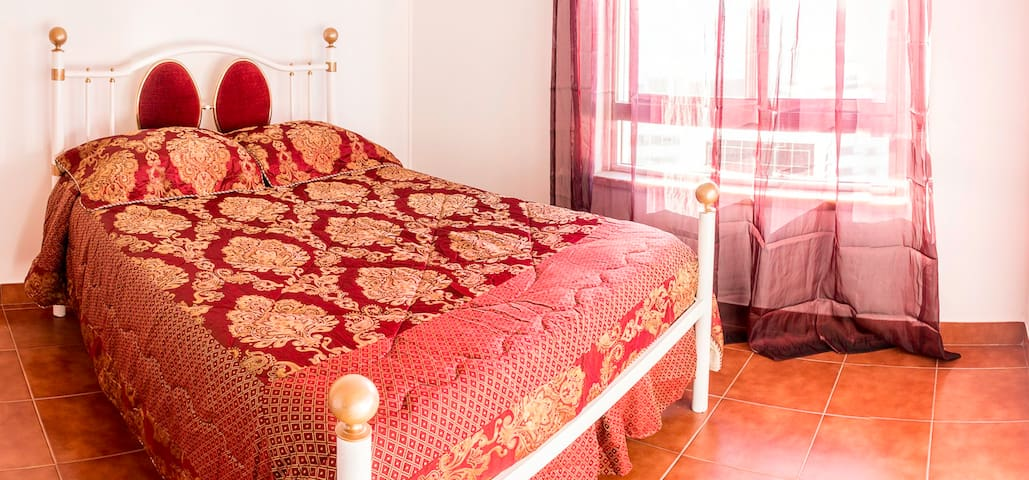 Room for TWO with a water way view. - Póvoa de Santa Iria - Apartamento