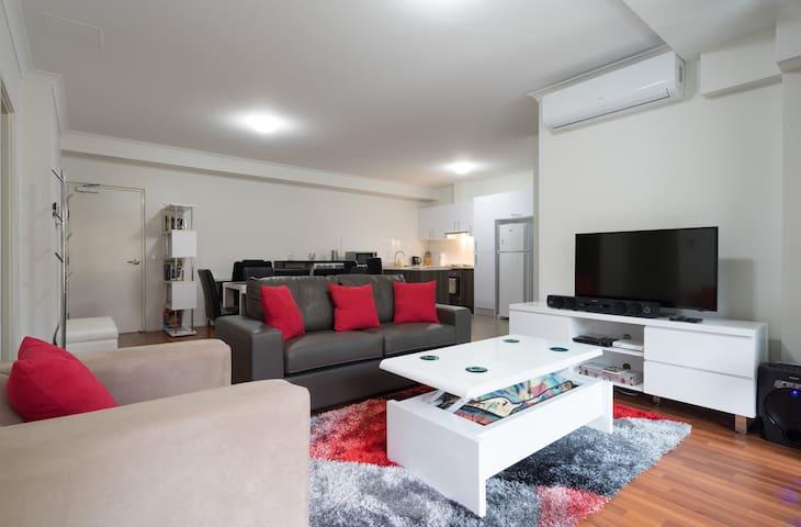New Executive Apartment furnished - Dandenong - Appartement
