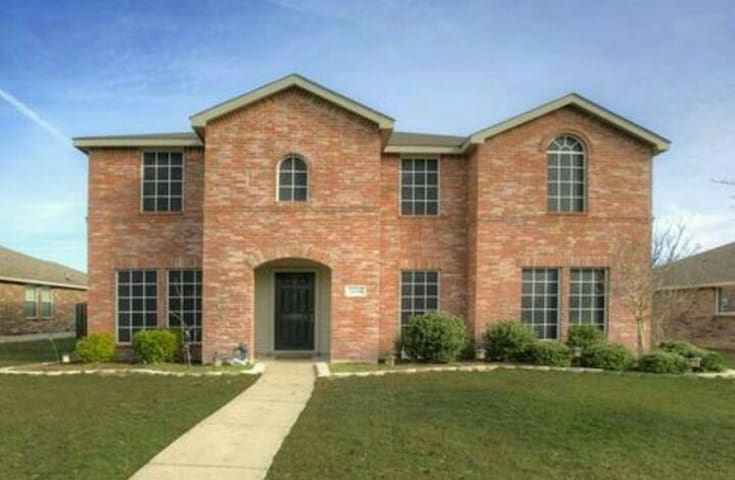 Private Bedroom In House Near I-30 Rockwall - Royse City - Hus