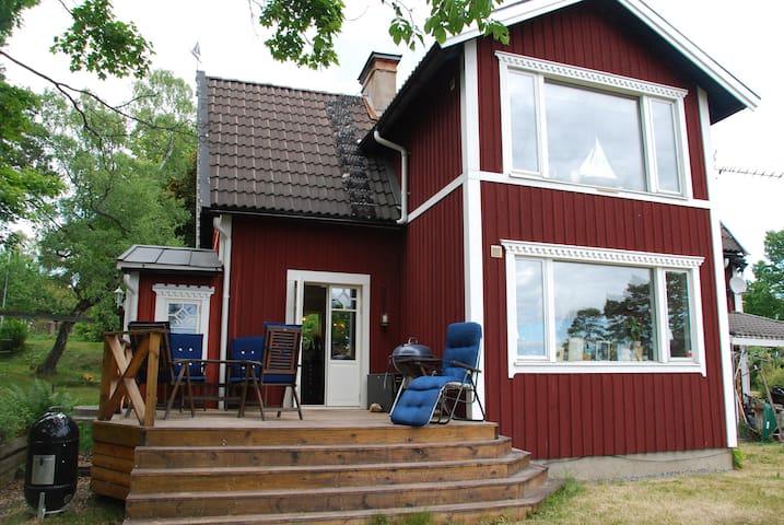 Spacious villa in an exklusive area near sea - Stockholm