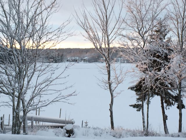 Lakefront Getaway - Middle Sackville - Casa
