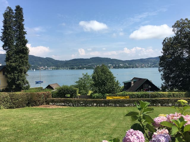 Romantic bungalow, private beach and great view - Maria Wörth - Bungalow